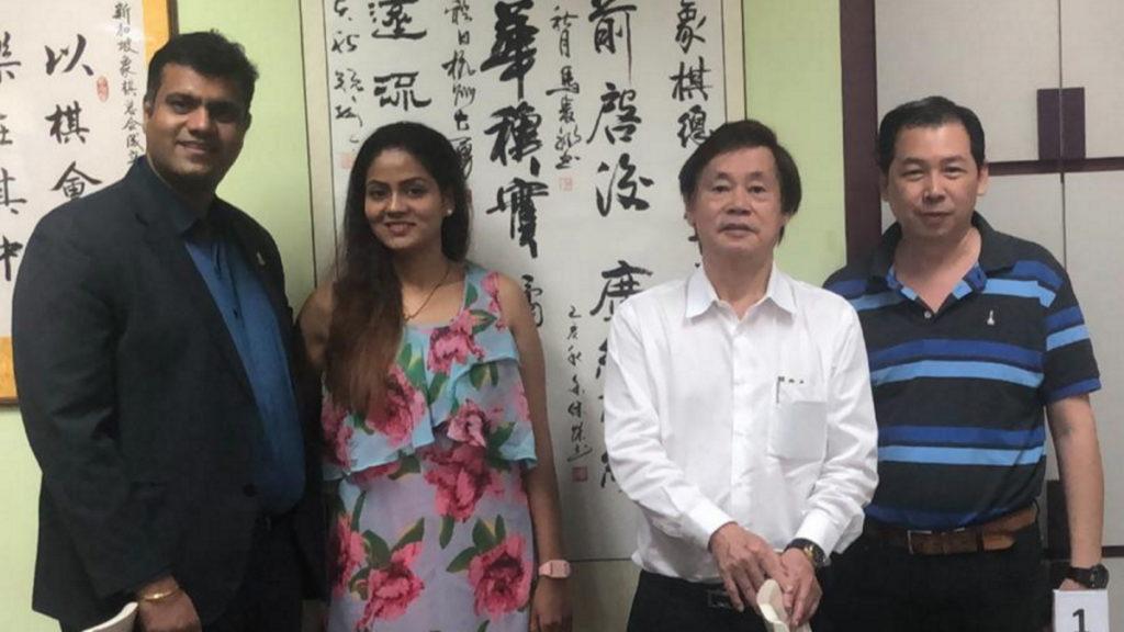 印度象棋协会创始人Mr  Namdev Shirgaonkar  访问狮城